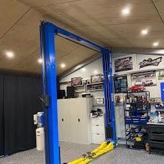 Car Hoist Classic Lift 4000C 4 Tonne Two post Hoist 1
