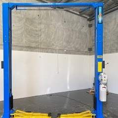Classic Lift 4000C 4tonne clearfloor 2Post 1