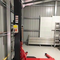 Single Post Lift SL 2500. 1