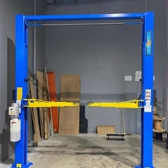 Classic lift 4000 clearfloor 2post 1 1